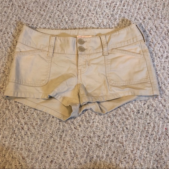 Abercrombie & Fitch Pants - Abercrombie & Fitch shorts size 4